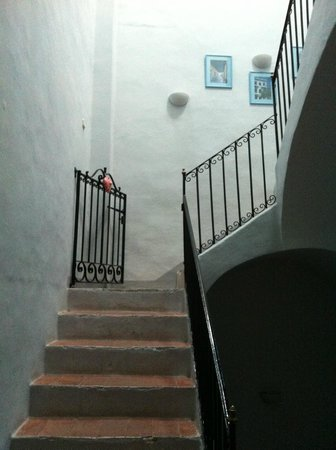B&B Hostalet dels Indians: Stairs to upper rooms