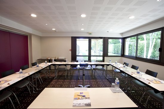 Kyriad Rennes Nord : Salle de réunion