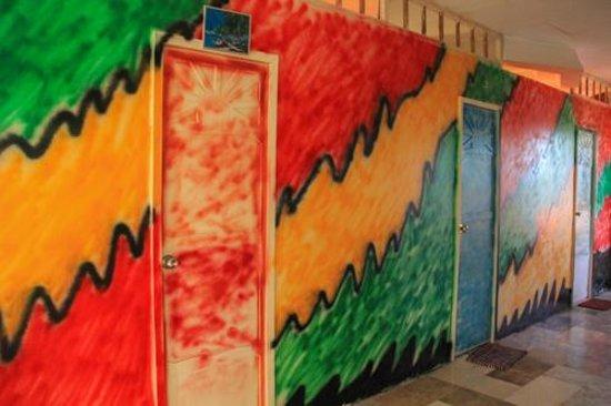 Villa Sandra Guesthouse : the cool paint job inside