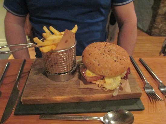 The Golden Lion Hotel: Burger that got away!
