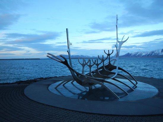 Solfar (Sun Voyager) Sculpture : Solfar sculpture