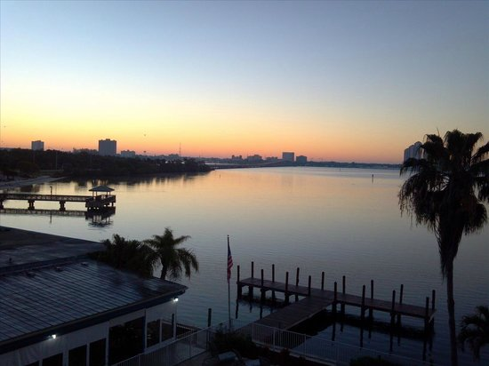 Best Western Fort Myers Waterfront: Sunrise view