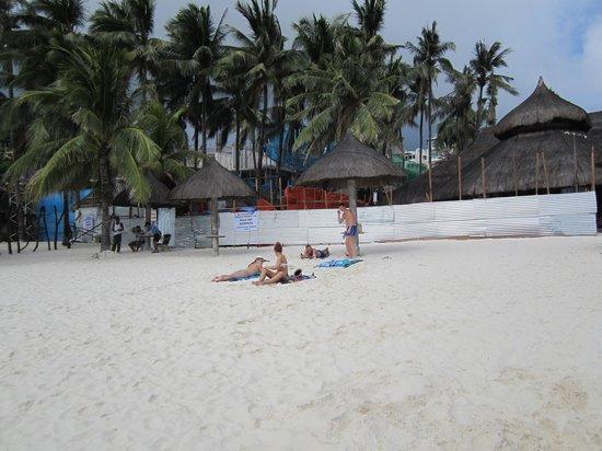 Friday's Boracay: Turf War Barricade 2