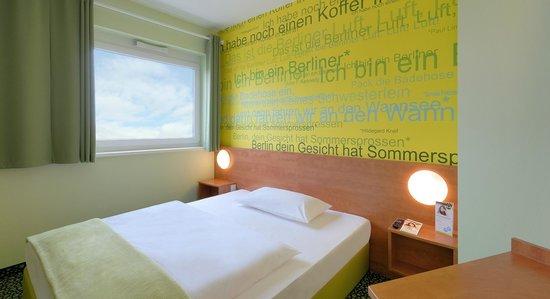 B&B Hotel Berlin-Airport - Zimmer mit französischem Bett