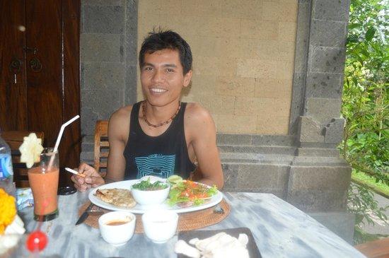 Cafe Wayan & Bakery : smile