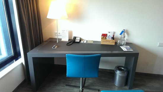 Inntel Hotels Rotterdam Centre: Desk