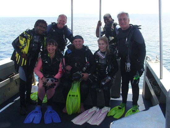 Walindi Plantation Resort: A very happy dive group and guides.