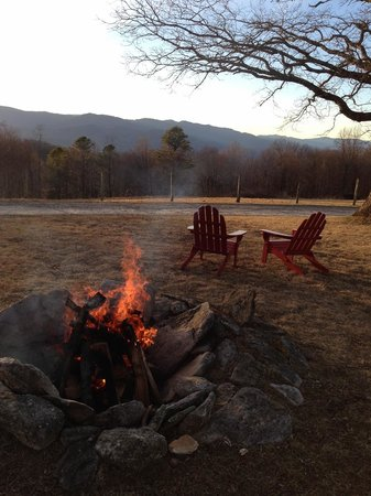 Fire Mountain Inn : Saturday Night FirePit