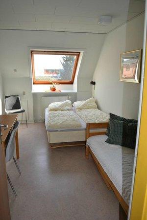 2 personers værelse med dobbeltseng   billede af aarhus hostel ...
