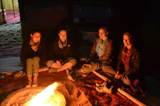 Bonfire in the Sahara- booked by the Riad Mur Akush