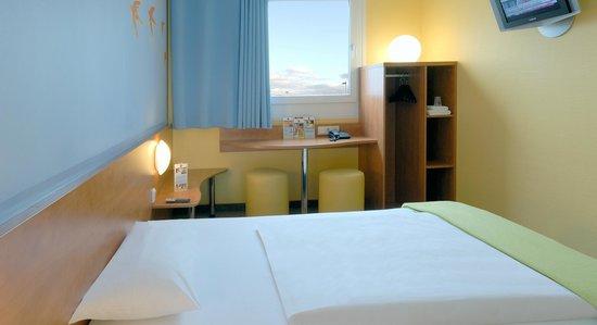 B&B Hotel Bochum-Herne - Zimmer mit französischem Bett