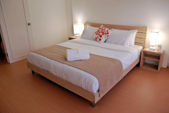 Studio 99 Serviced Apartments : 1 Bed Apartment - Bedroom