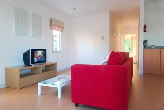 Studio 99 Serviced Apartments : 2 Bed Apartment - Living Room
