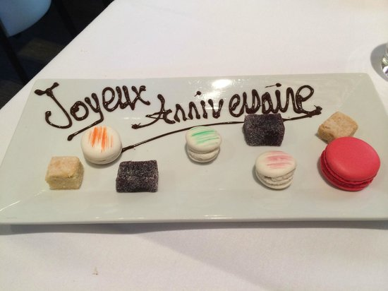 Edmunds : Our Birthday Petits Fours
