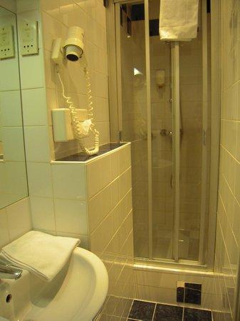 Hotel Papageno: Bath of the room 534