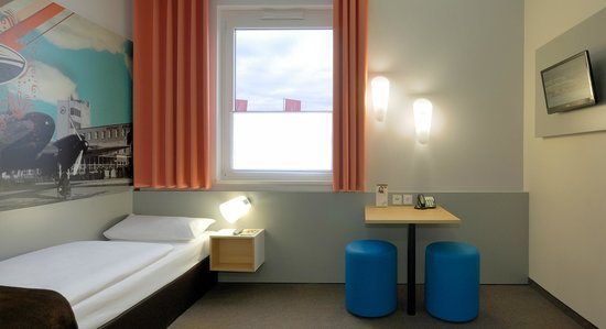 B&B Hotel Boeblingen : B&B Hotel Böblingen - Barrierefreies Zimmer
