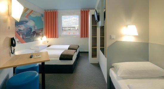 B&B Hotel Boeblingen : B&B Hotel Böblingen - Familienzimmer für 3 Personen