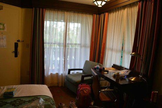 Disney's Coronado Springs Resort: Looking at the room from the bathroom area.  Corner rooms have 2 windows.