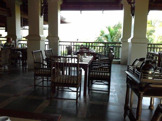 Khaolak Laguna Resort: salle du ptitdej