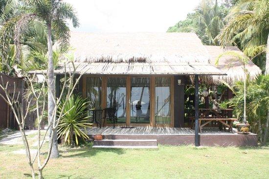 Mali Resort Pattaya Beach Koh Lipe : ビーチフロントガーデンウィングの部屋です