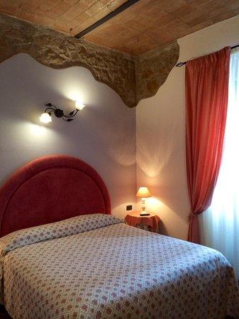 Saturnia Residence : La camera rosa
