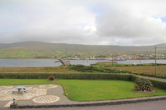 Carraig Liath House : View across to Portmagee