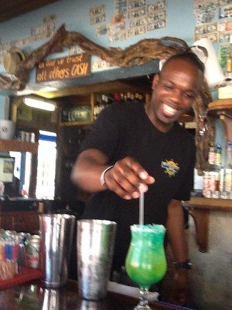 Rum Runners: Alien  drink