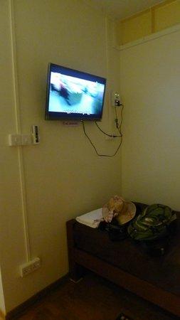 Bike World Bed, Breakfast & Bike: Flat Screen TV