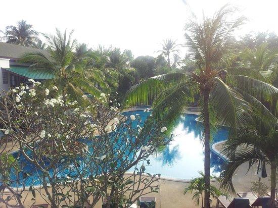 First Bungalow Beach Resort: Utsikt från vår balkong