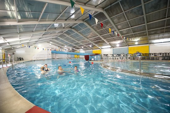 St. Ives Holiday Village: Our wonderful indoor pool with its waterslide
