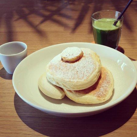 Bills, Odaiba: リッコッタチーズのパンケーキ&billsグリーン