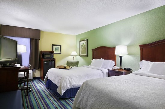 Hampton Inn Raleigh/Cary : Double/Double Guest Room