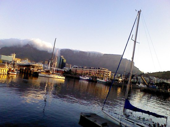 Victoria & Alfred Hotel: Table Mountain from the V and A