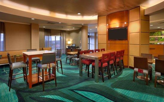 SpringHill Suites Cedar City: Breakfast Dining Area