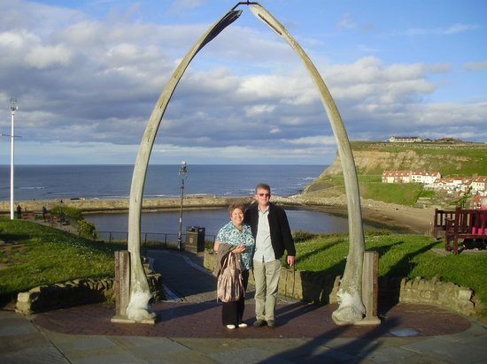 Trenchers: Whitby whalebones
