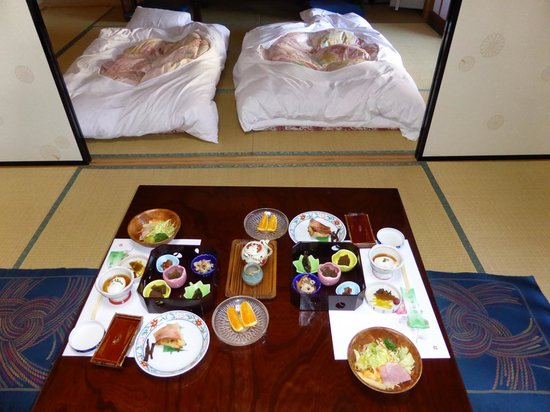 Wakamatsu Honten: Breakfast in room
