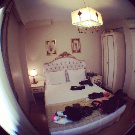Adora Hotel: Cozy room~