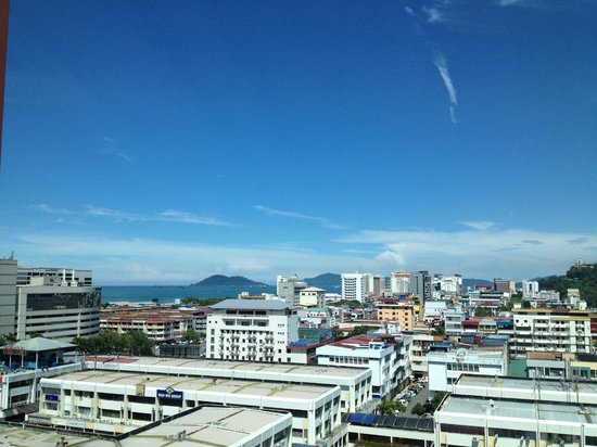 Cititel Express Kota Kinabalu: Not all room have window, this is from the walkway