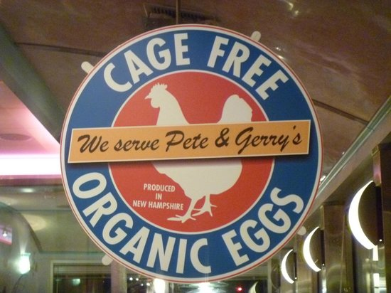 Airport Diner: Sign for LOCAL organic eggs