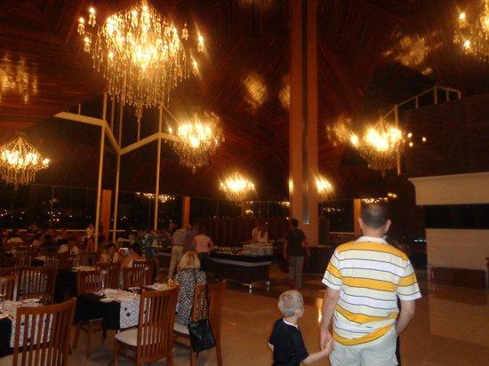 Recanto Cataratas Thermas Resort & Convention : El comedor