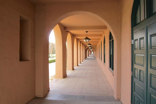 ARTS DISTRICT Liberty Station: Arched hallway at Liberty Station
