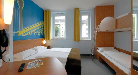 B&B Hotel Duesseldorf - Hbf : B&B Hotel Düsseldorf-Hbf - Familienzimmer für 4 Personen