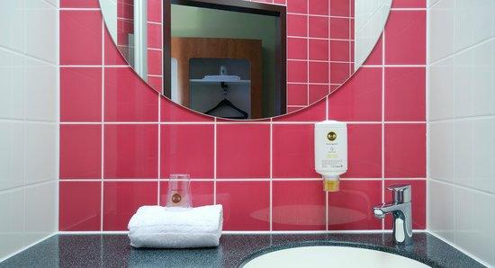 B&B Hotel Duesseldorf-Airport: B&B Hotel Düsseldorf-Airport - Badezimmer