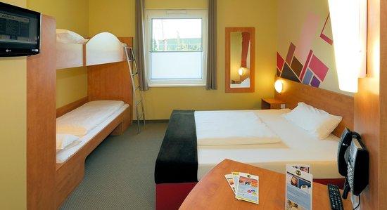 B&B Hotel Duesseldorf-Airport: B&B Hotel Düsseldorf-Airport - Familienzimmer für 4 Personen