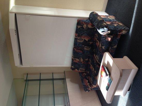 Newport Beachside Hotel and Resort: Living room