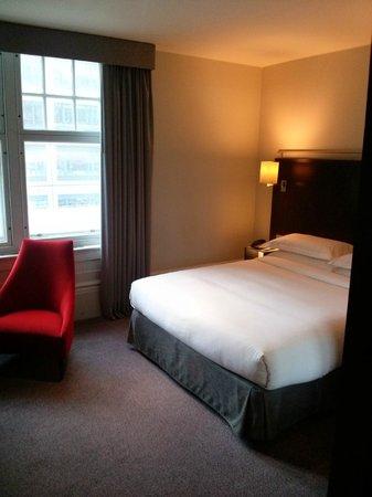 Andaz London Liverpool Street: bedroom