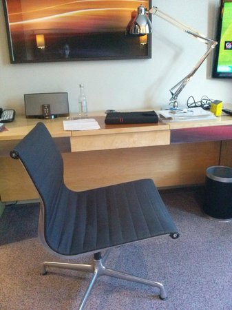 Andaz London Liverpool Street: chair, desk, ipod docker