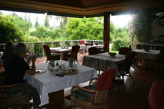 Altes Landhaus Country Lodge: The Dining Area