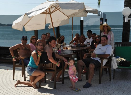 Pousada Vila do Farol: Deck entre la Piscina y la Playa