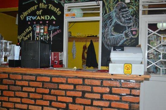 Discover Rwanda Youth Hostel : Bar